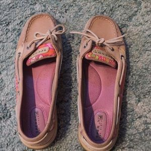 Women's Sperry Anglefish pink floral size 8